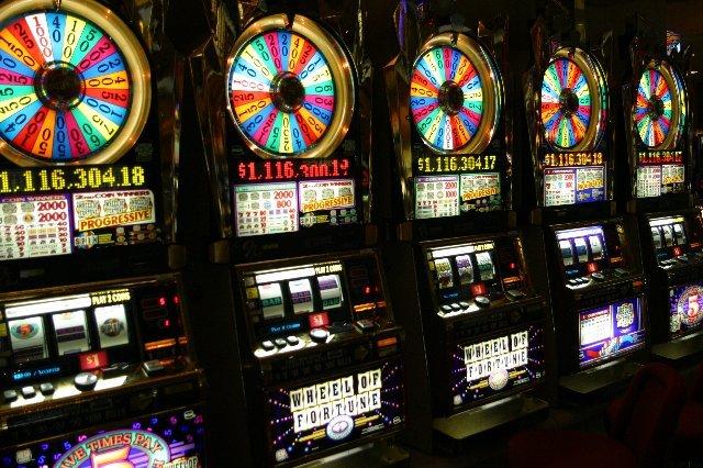 MonoSlot - надежное онлайн казино на деньги в России