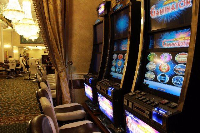 Играть в казино Чемпион на деньги и бесплатно
