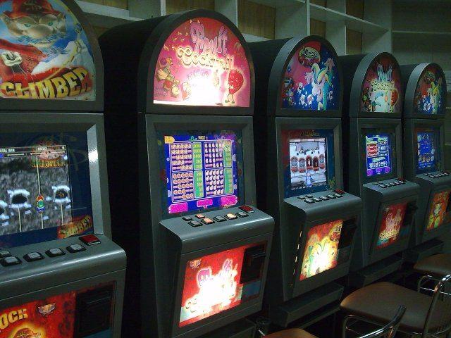 Классический игровой слот шпионской тематики Резидент в Вулкан казино онлайн