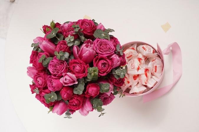 Оперативная доставка свежих цветочных композиций в Сочи и Адлере