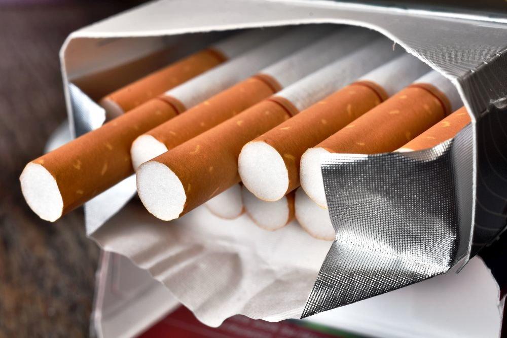 Какие недорогие сигареты выбрать и где их купить?